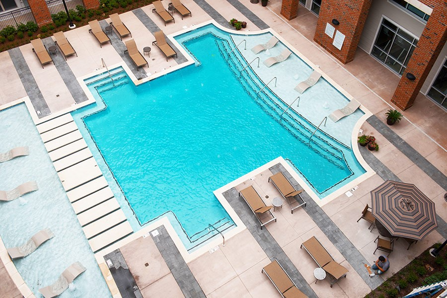 acklen apartments pool