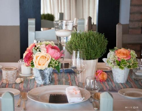 housewarming table setting