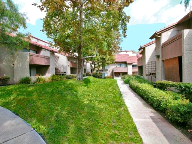 Monte vista apartments in lake view terrace greystar for 11777 foothill blvd lakeview terrace ca