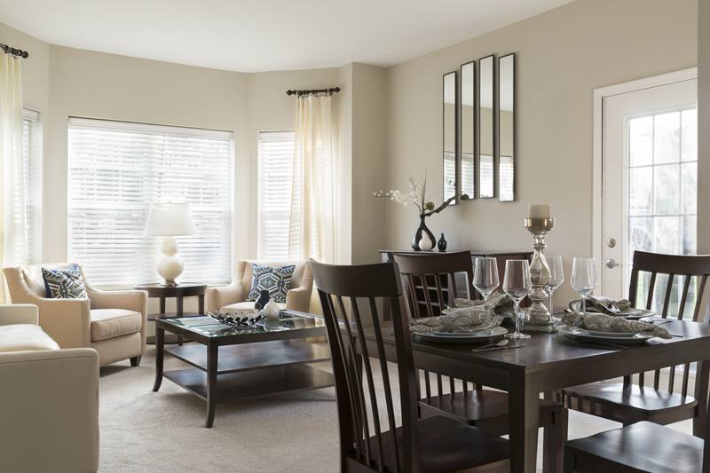 dining room at Regency Place Apartments