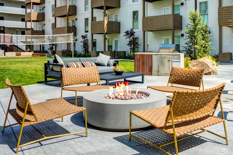 Foundry Commons Apartments Fire Pit
