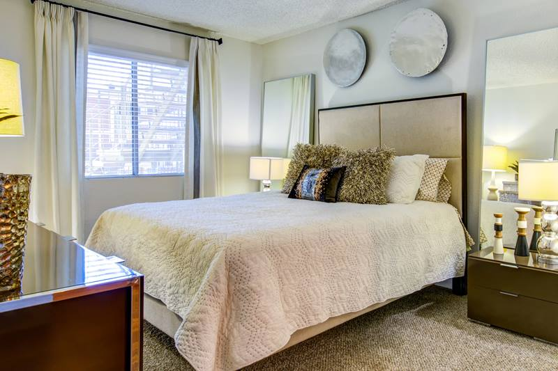 Crossroads Apartments Bedroom