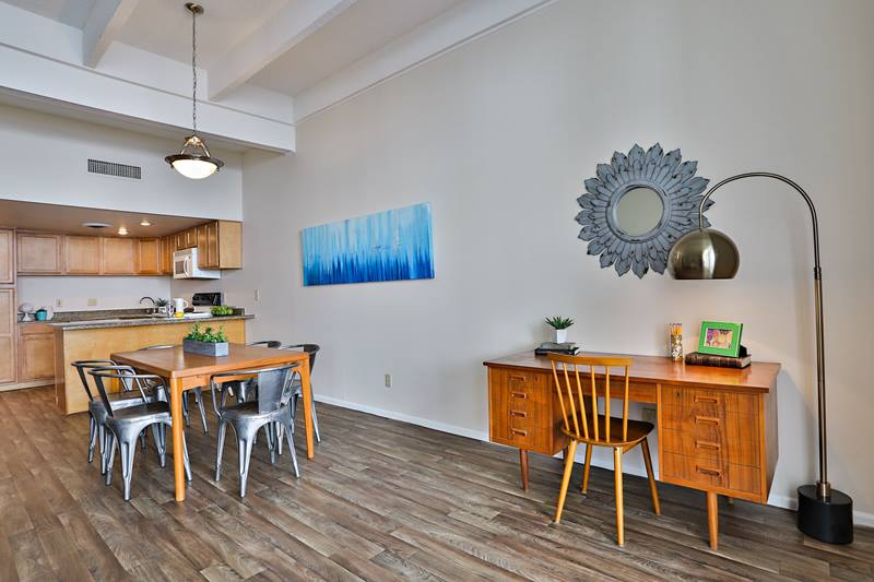 dining room at Paradise Palms Apartments