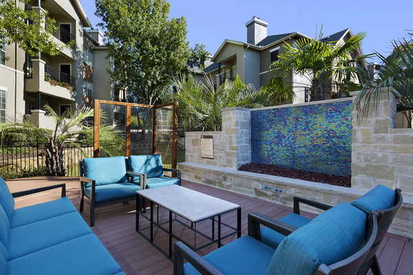 patio at The Palmer at Las Colinas Apartments