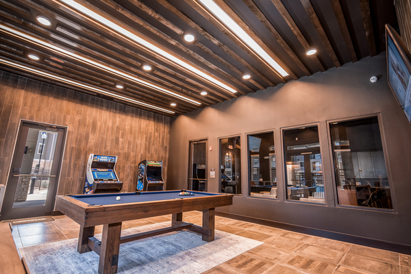 game room  at The Woodford on Mockingbird apartments