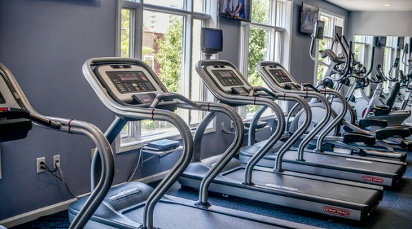 fitness center at 1000 Jefferson Street Apartments