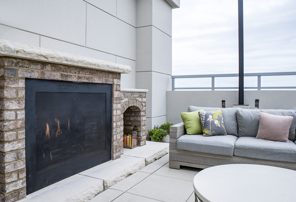 rooftop deck/fire pit at Piedmont House Apartments