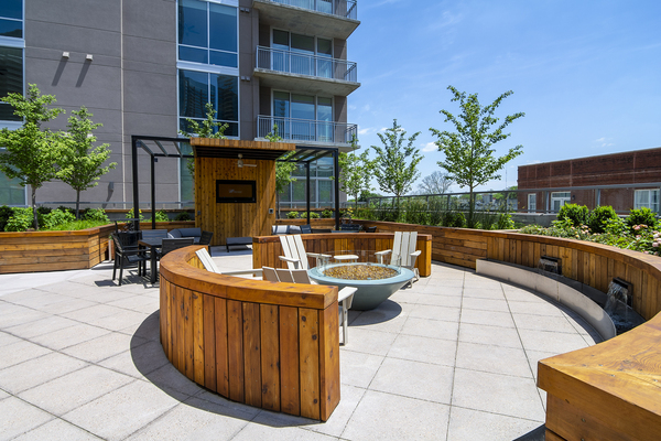 patio/balcony at Piedmont House Apartments