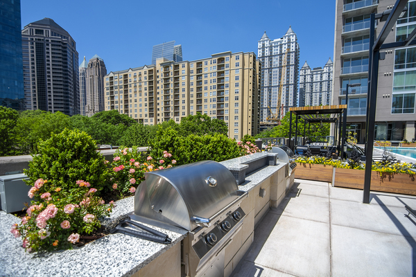 grill area at Piedmont House Apartments