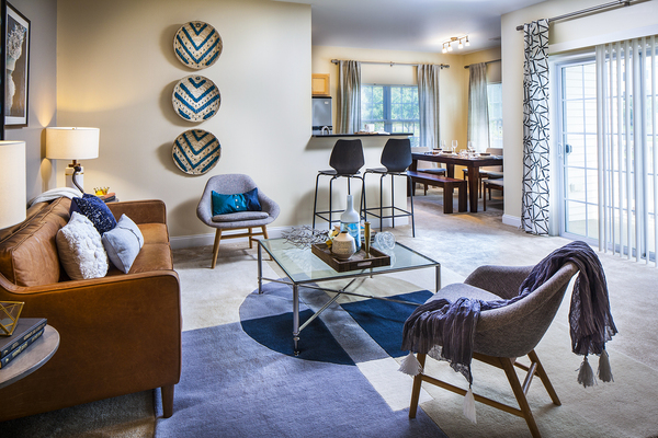living room at Heritage at Bedford Springs Apartments