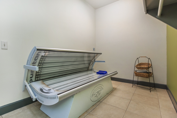 tanning salon at The Heights