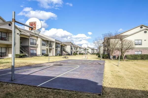 sport court at The Ridge Apartments