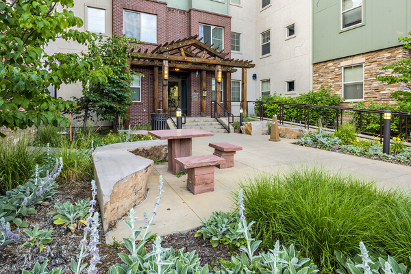 patio at Carriage House Apartments