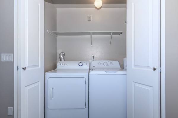 laundry room at Alvista 240 Apartments