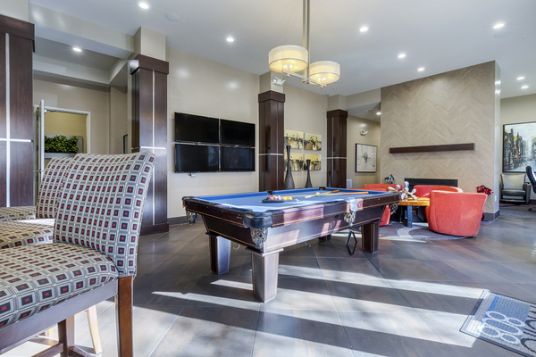 game room at Metro 808 Apartments