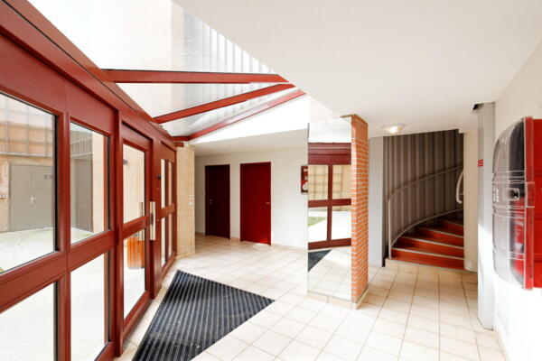 clubhouse/lobby at Campus des Sciences Labege Appartments