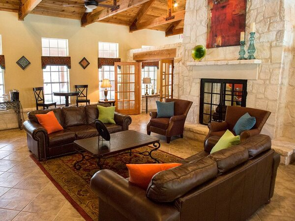 clubhouse at Montecito (TX) Apartments