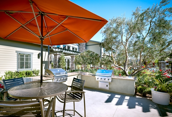 grill area at Artisan at East Village Apartments