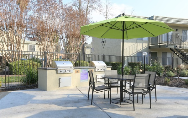 grill area at The Luxe Apartments
