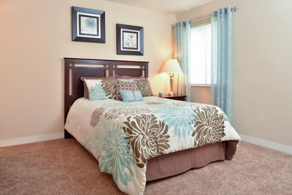 bedroom at Deercross Apartments