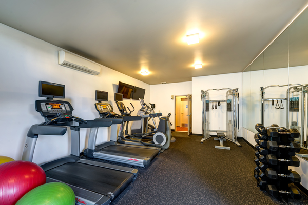fitness center at Mural Apartments