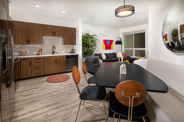 dining area at Clarendon Apartments
