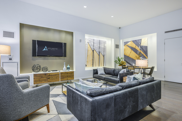 clubhouse/lobby at The Lofts at Atlantic Wharf Apartments