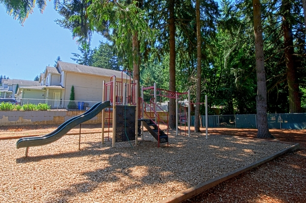 playground at Cascade Woods Apartments