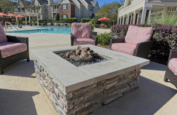 fire pit at Rock Creek at Ballantyne Commons Apartments