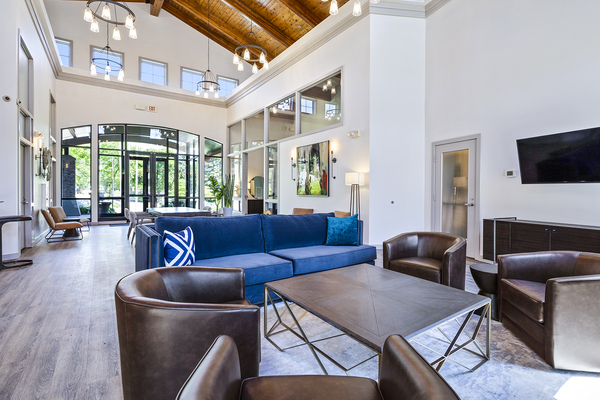 clubhouse/lobby at Hampshire Hill Apartments