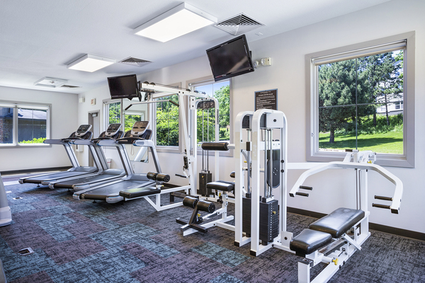 fitness center at Hampshire Hill Apartments