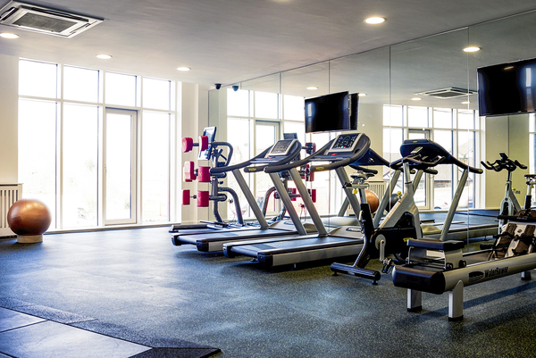 fitness center at Bradstowe House Apartments