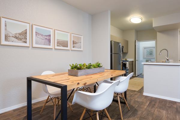 dining area at Adobe Ridge Apartments