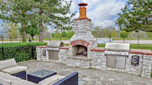 grill area/fire pit at Parc 1010 Apartments