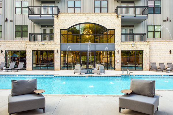 pool at One Riverside Apartments
