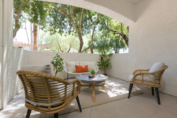 patio at Cantera Apartments