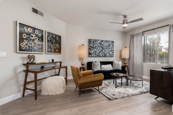 living room at Elite North Scottsdale Apartments