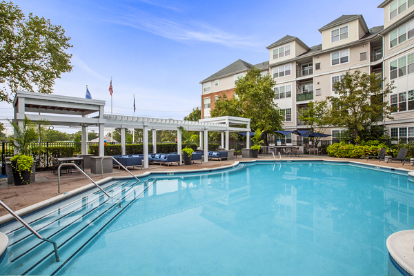 pool at The Union at Lyndhurst Apartments
