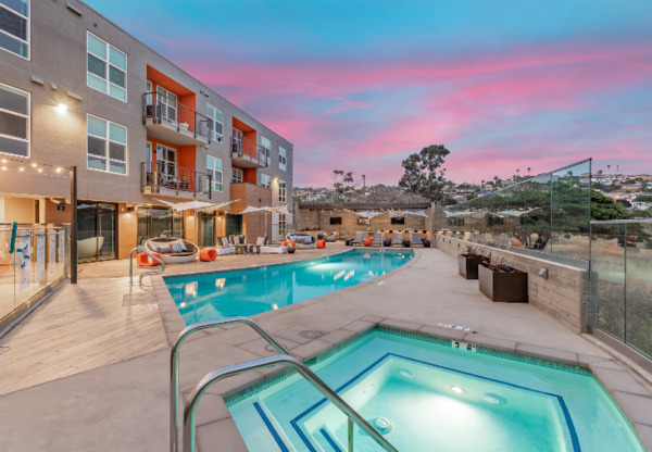 pool at Jefferson Pacific Beach Apartments