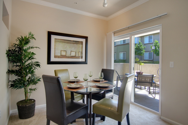 dining area at Canyon Park Apartments