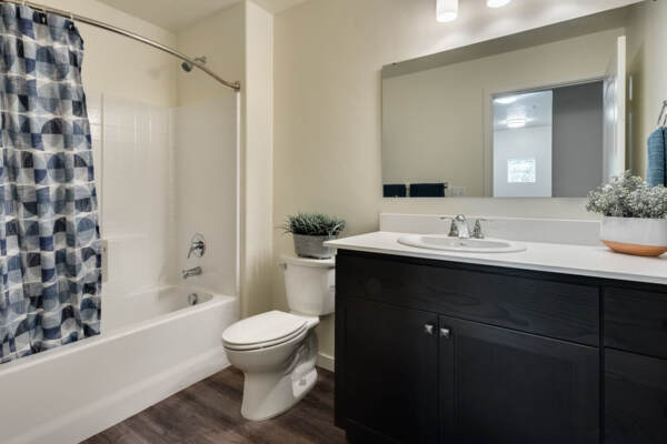 bathroom at Central Park Commons Apartments