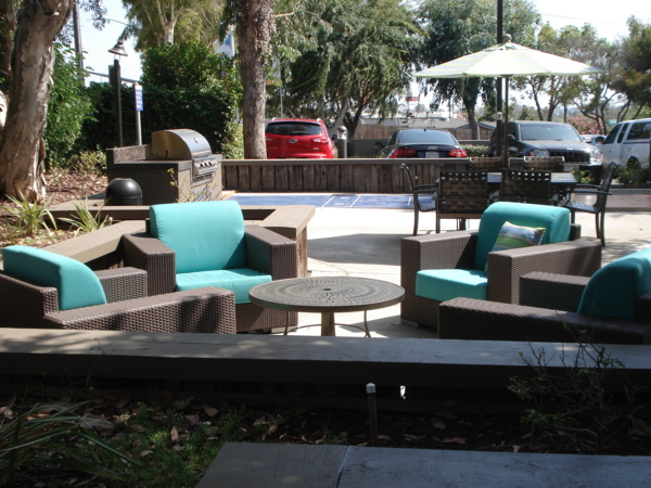 grill area at Colonnade at Fletcher Hills Apartments