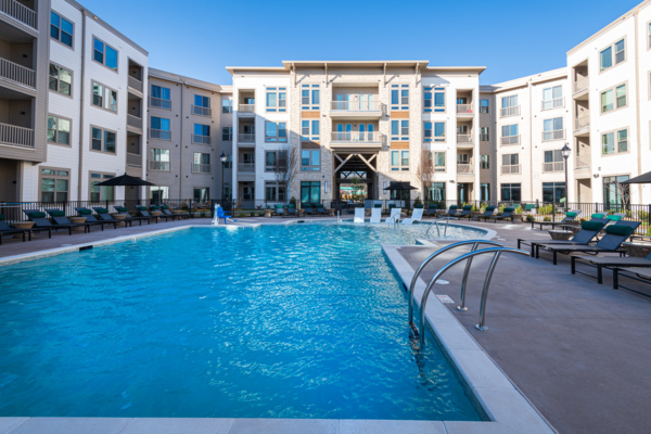 pool at Solis Patterson Place Apartments