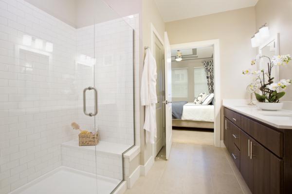 bathroom at Broadstone on 9th Apartments