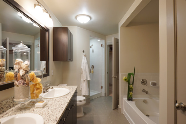 bathroom at Nouvelle Apartments