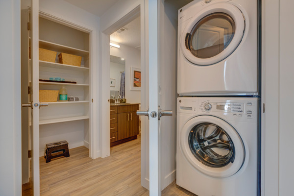 laundry room at Meridian Apartments