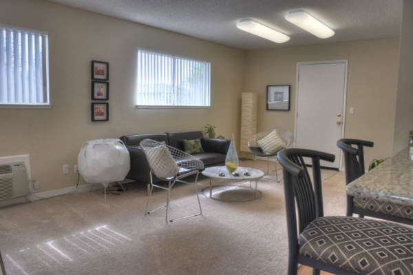 living room at Pacific Terrace West Apartments