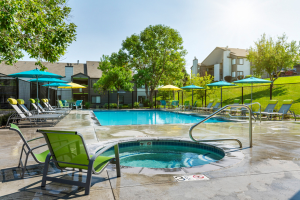 pool at Vista at Trappers Glen Apartments