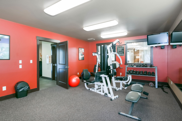 fitness center at Silverlake Apartments