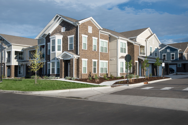 exterior at Waterford at Southlands Apartments